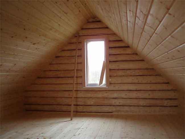Потолок в деревенской бане