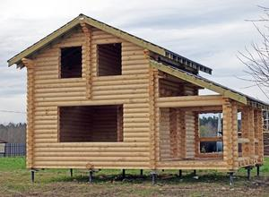 Сруб дома, построенный в г. Кадников