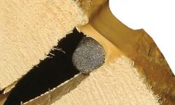 Чем заделать щели между бревнами – выбираем лучший способ конопатки