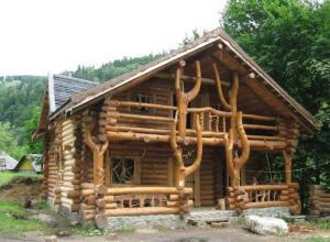 Дома из дикого сруба: где купить, строительство, проекты и цены под ключ