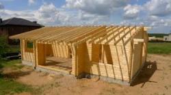 Из какой породы дерева лучше строить дом?