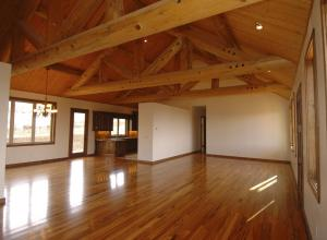 Внутренняя отделка деревянного дома из бруса: последовательность и цены